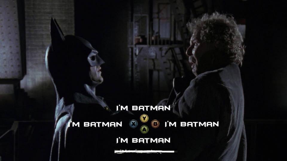 """Batman levanta aun malhechor por la pechera y los jugadores deben elegir entre cuatro opciones de diálogo, todas ellas con el texto: """"soy Batman""""."""