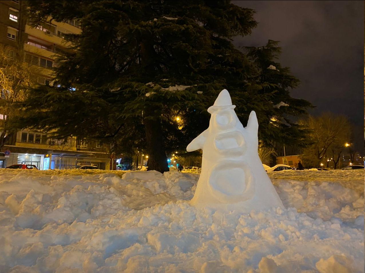 Escultura en nieve de Púrpura de Day of the Tentacle